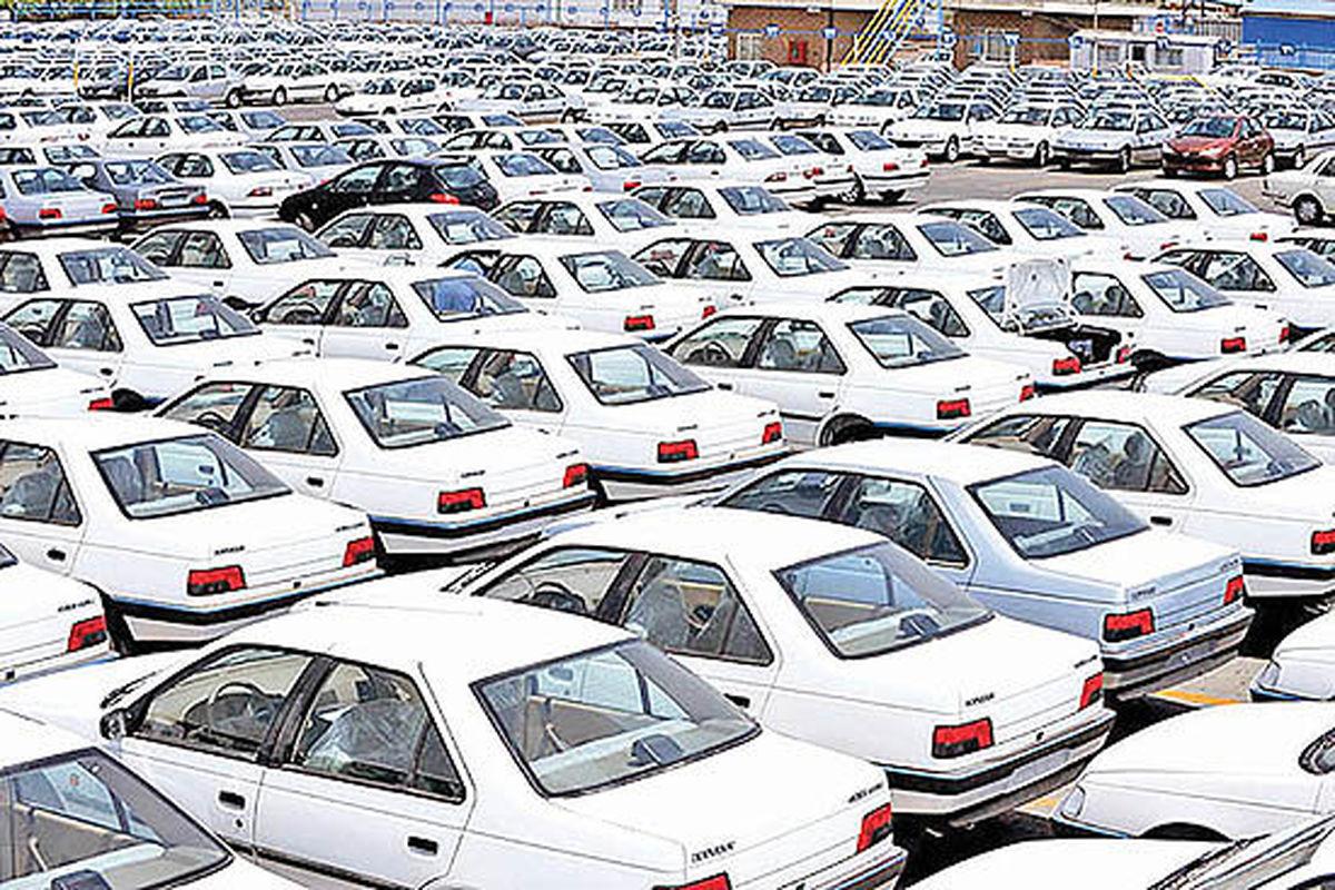 کلید گشایش قفل بازار خودرو | ناکارآمدی دستورالعملهای خودرویی برای آرامش بازار